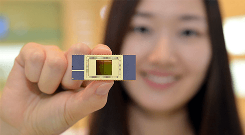 Photo of Samsung challenges the limits of flash memory