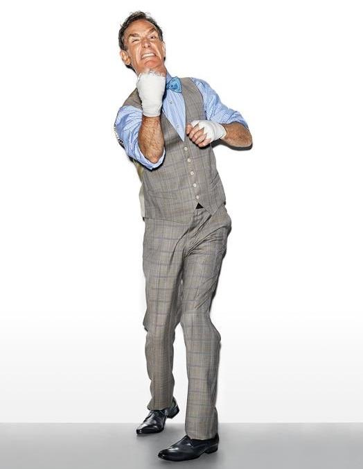 האהבות של ביל ריקוד: כמה לילות בשבוע, ניי יוצא לרקוד ריקודי סווינג. הוא היה אחד הסלבריטאים הפופולריים ביותר ברוקדים עם כוכבים (עד שהוא קרע את שריר הירך הארבע-ראשי). הוא אפילו רשם פטנט על סוג חדש של נעלי פוינט לבלט.