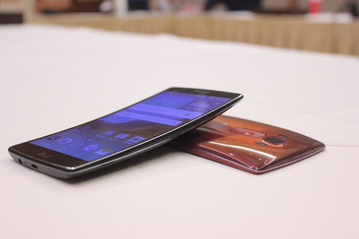 Photo of CES 2015: Meet the most impressive concave smartphone ever created