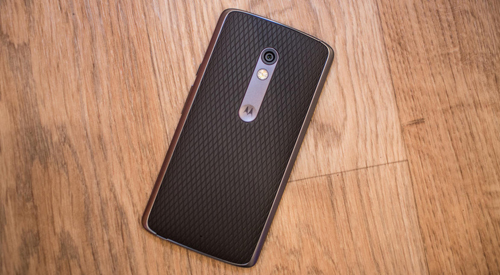 Photo of the Moto X Play is an intermediate smartphone with a big heart, and an even bigger battery