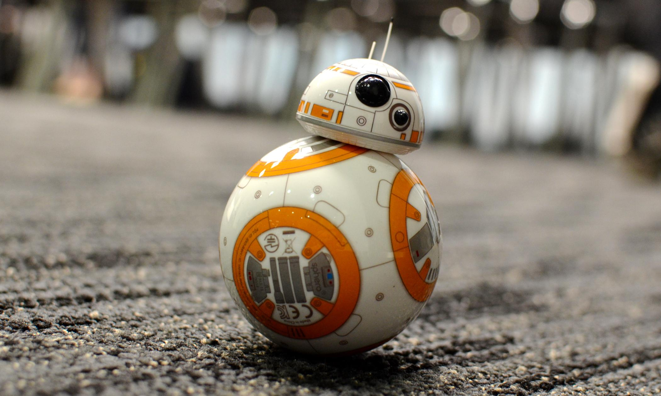Photo of Watch: The BB-8 Robot is the perfect toy for all Star Wars enthusiasts
