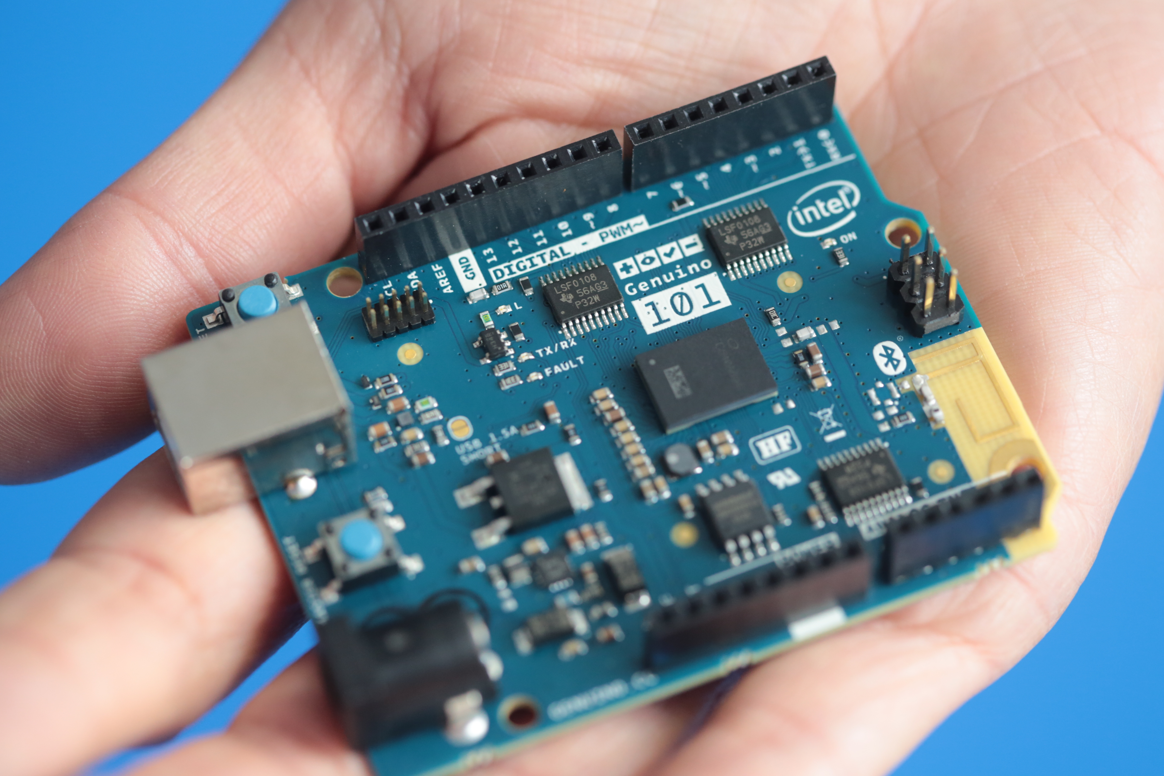 Photo of Small, Cheap and Surprising: Get to know Intel's new Arduino