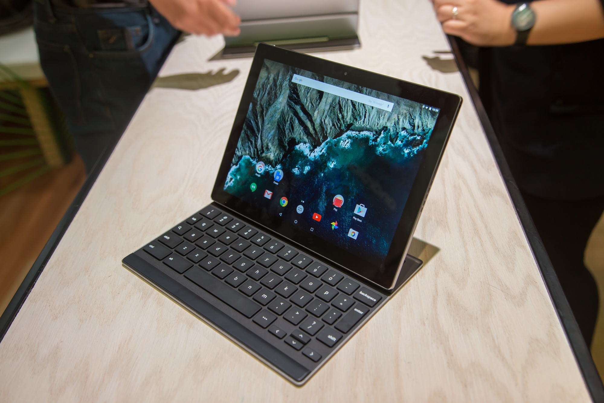 Photo of Google's Pixel C tablet is an impressive surprise for performance enthusiasts