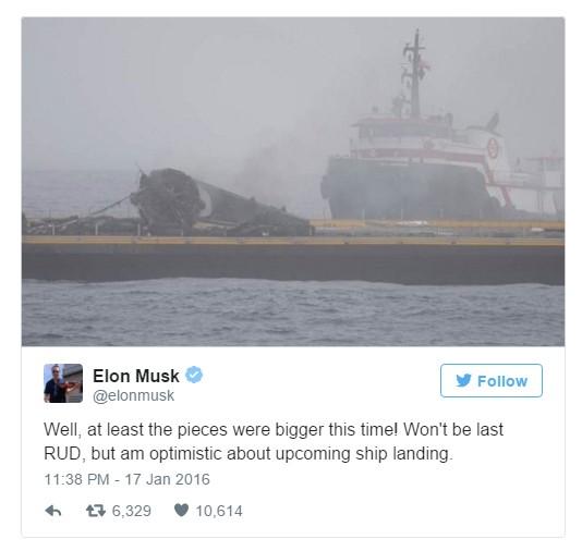 """אלון מאסק, מנכ""""ל SpaceX, בחר להתייחס אל הכשלון בקלילות ולהסתכל על חצי הכוס החיובית"""