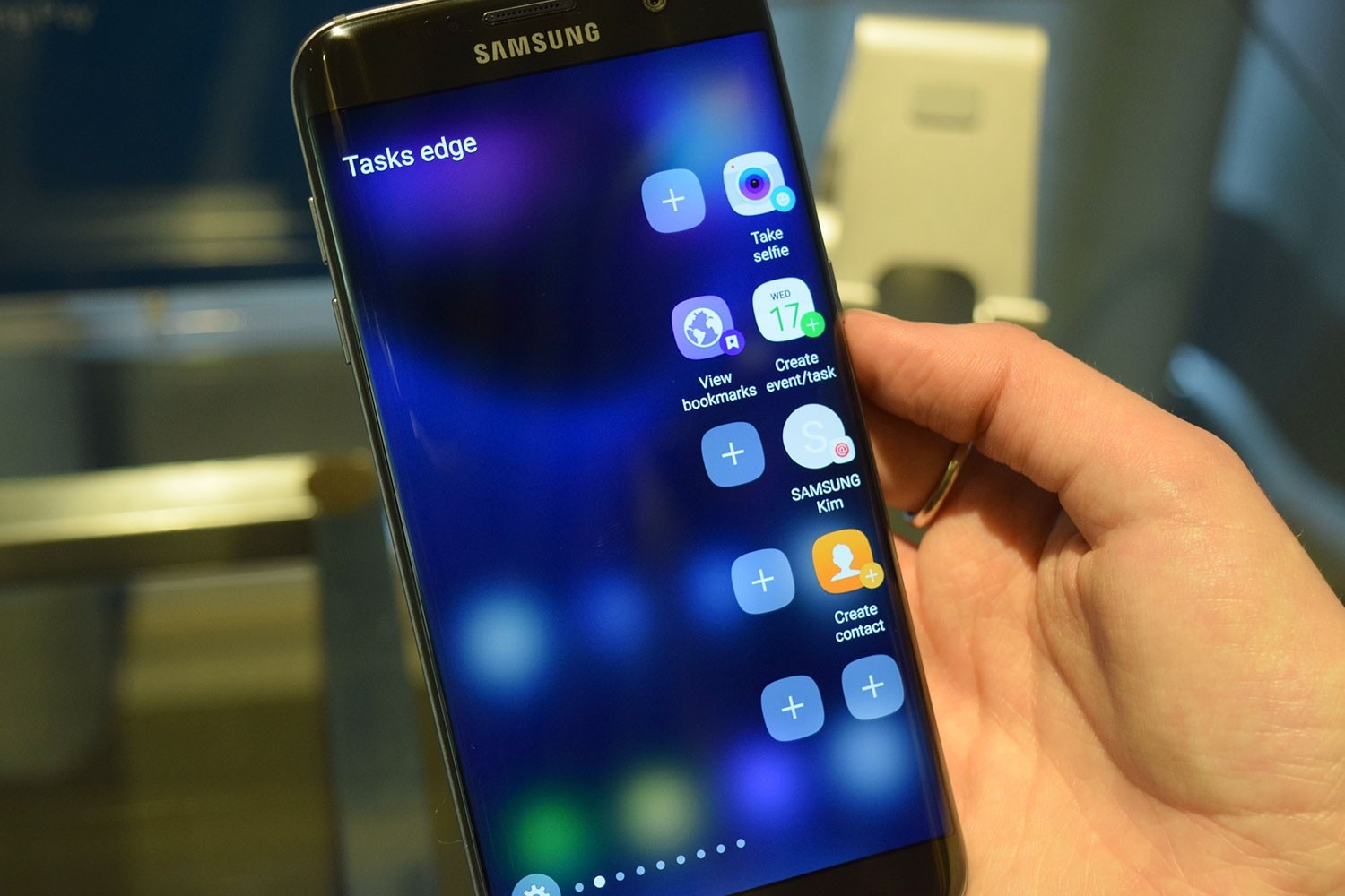 Photo of the Galaxy S7 Edge is sold much more than the Galaxy S7