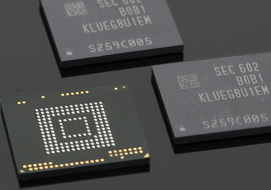 Photo of Samsung unveils fastest and highest volume storage chips for smartphones