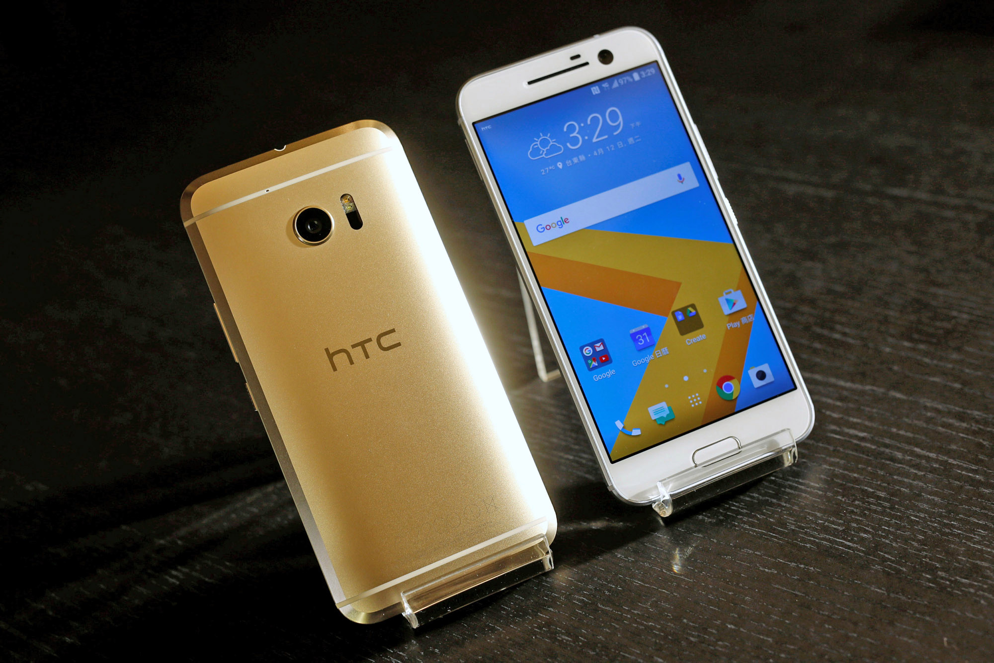 Photo of resurrected manufacturer: HTC 10 smartphone unveiled and surprisingly good