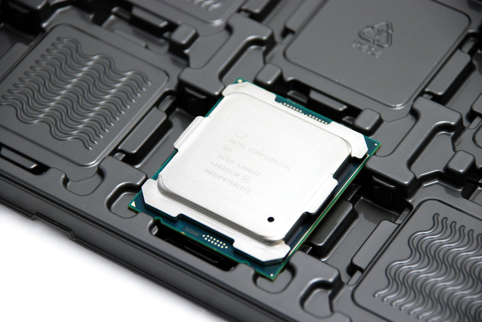 Photo of New Extreme Processors in Premiere: Official Details on Broadwell-E leaked to network a few days before exposure