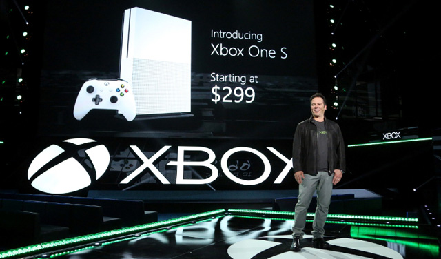 Photo of Microsoft introduces the compact Xbox One S and guarantees performance improvement
