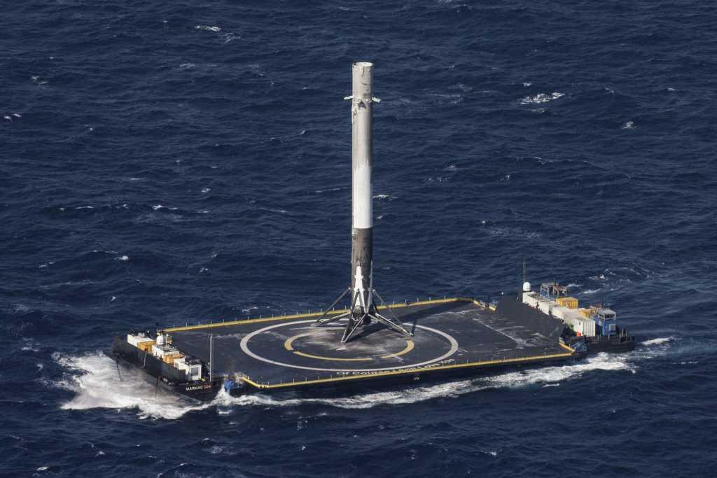 רקטת Falcon9 לאחר נחיתה
