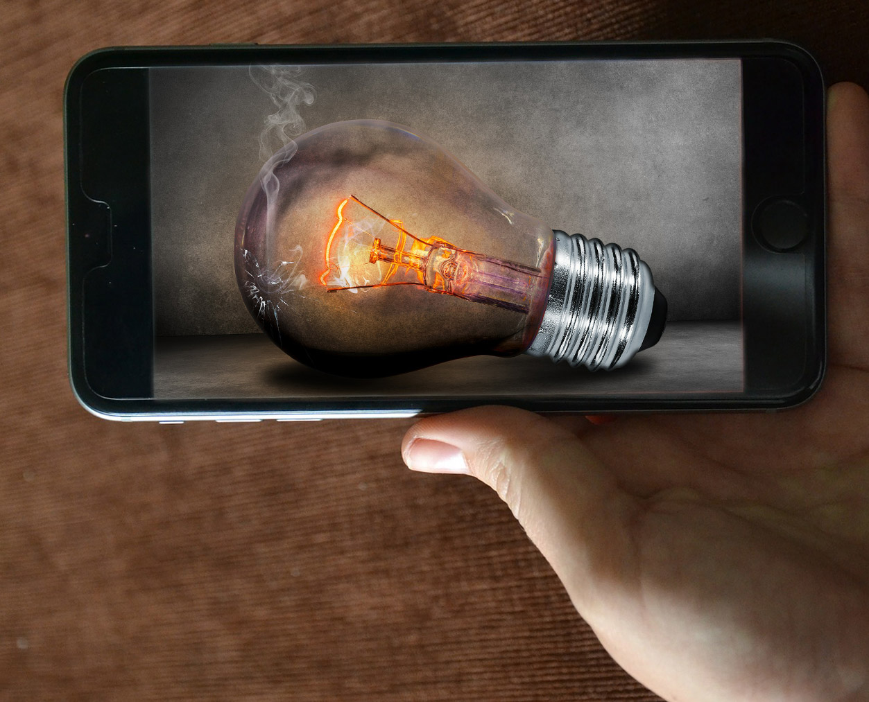 iphone + lightbulb