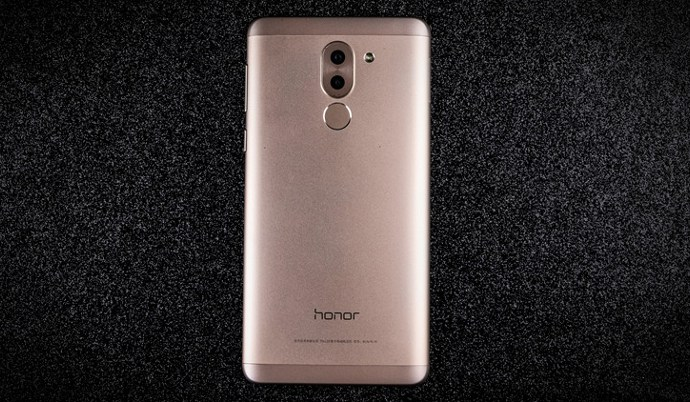 The Honor 6X will be offered in a wide variety of shades - with a delicate blue color that joins the gray, gilded, pink and silver sellers