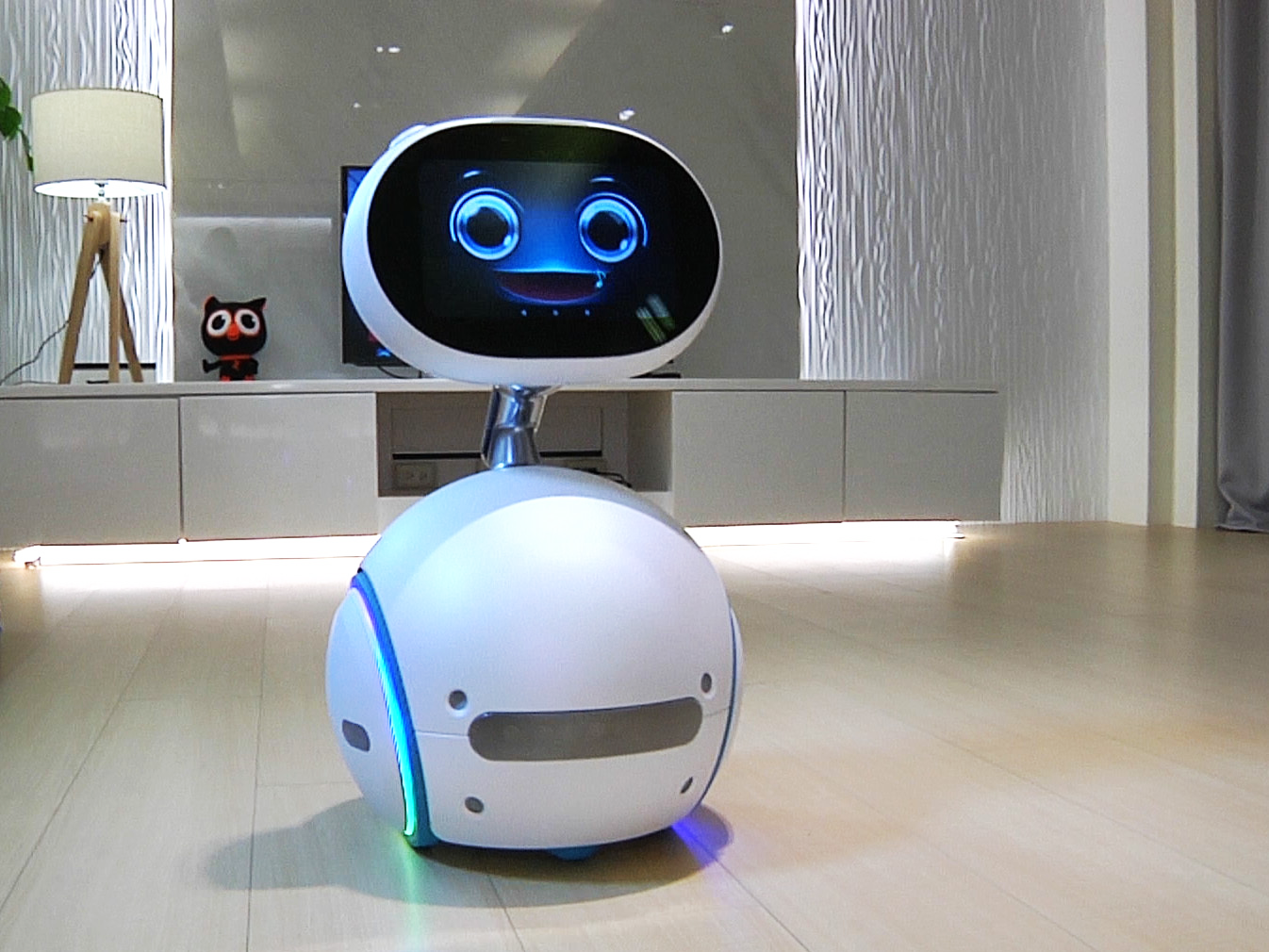 Photo of Asus' home robot is starting to sell with a surprisingly good price tag