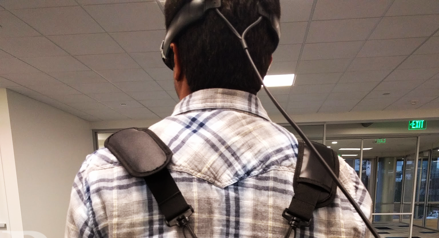 Photo of First Look at Microsoft's HoloLens Mysterious Competitor Creates Echoes on the Web