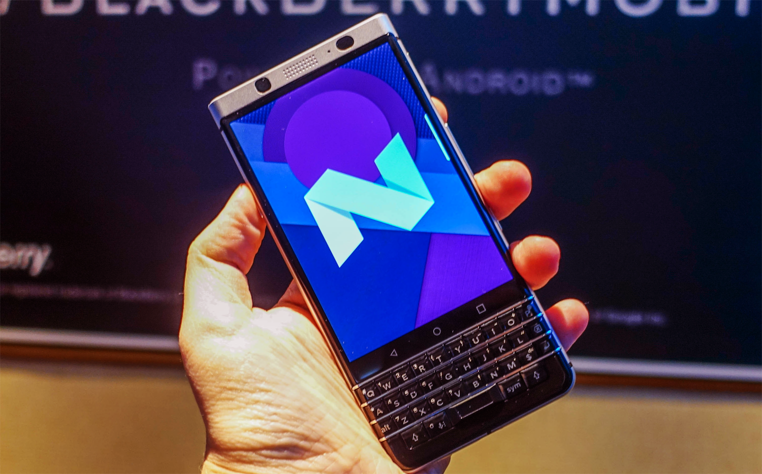 BlackBerry's new Photo is a stylish, great and superfluous device - at the same time
