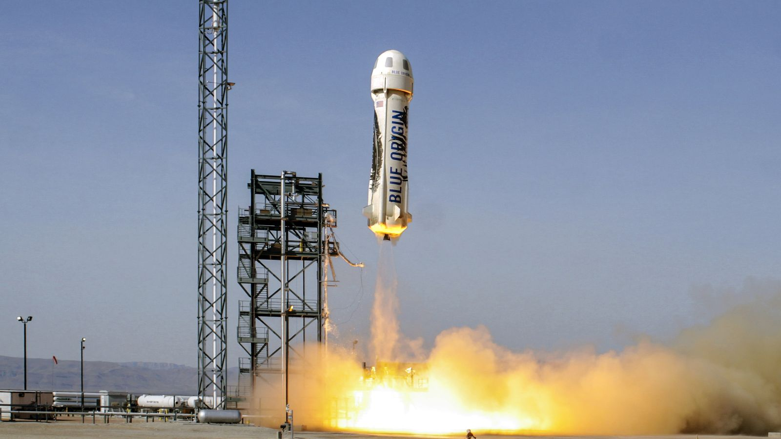 Photo of Amazon's founder presents: $ 1 billion of personal money each year to fund the space tourism vision
