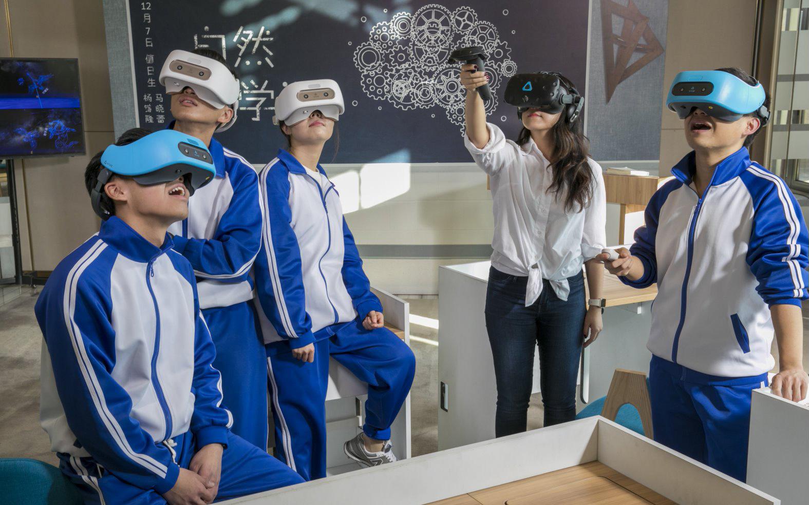 Photo of פרטים טכניים ותג מחיר: משקפי ה-VR החדשים מ-HTC חושפים את סודותיהם