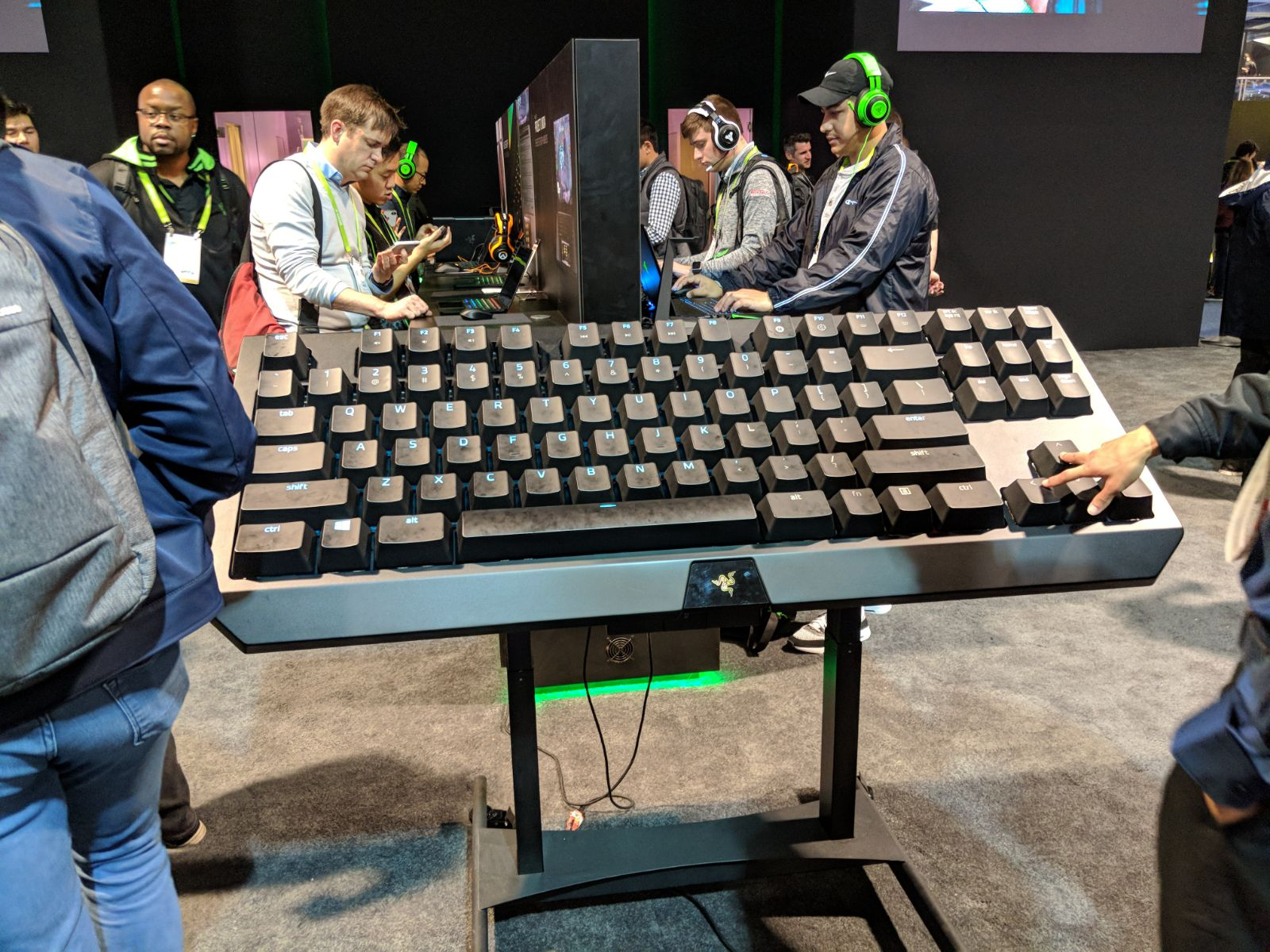 Photo of smartphone gaming that turns mobile gaming and other surprises from Razer
