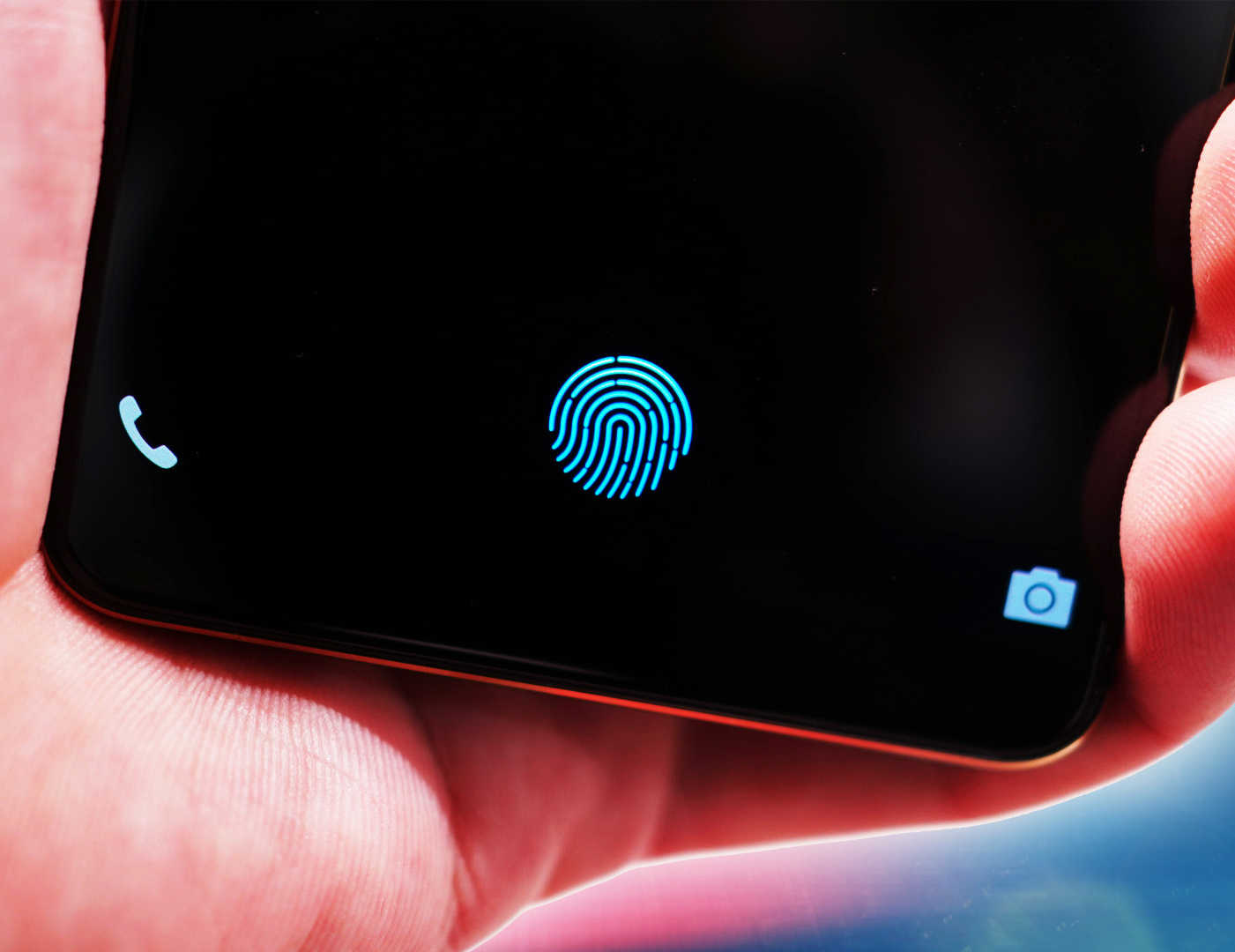 Photo of As promised, sort of: The first smartphone with an in-screen fingerprint scanner
