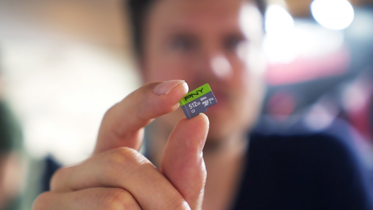 Photo of the biggest, most expensive: half-terabyte microSD cards in stores