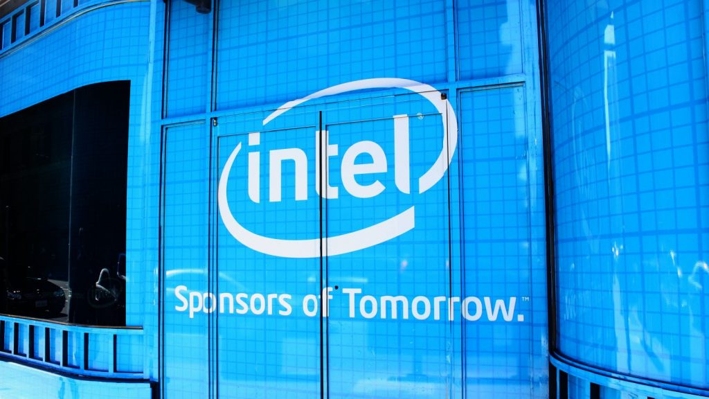 Photo of Intel warns: The dearth of processors is still with us