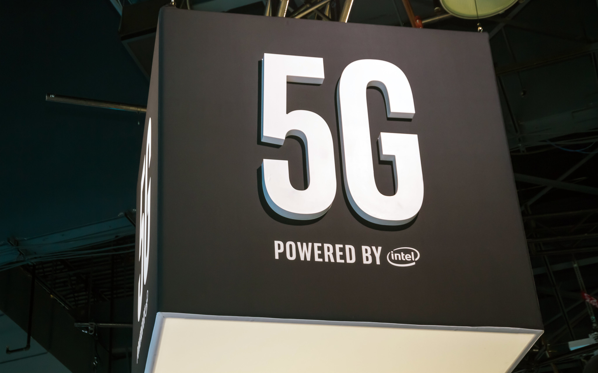 Photo of Apple's key reinforcement: Acquires Intel's 5G division for smartphones