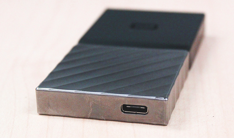 High-quality portable SSD drive at 512GB - without VAT
